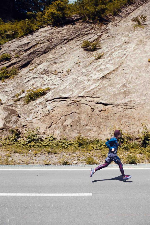 Nike-Undercover-GYAKUSOU-Holiday-2012-07