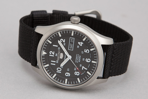 Seiko-5-Series-Made-in-Japan-Military-Watch-07