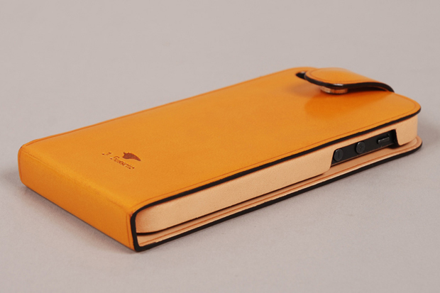 Il Bussetto Leather Flip iPhone 5 Case 03