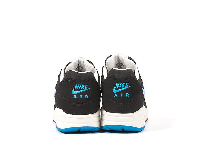 Nike-Air-Max-1-Premium-Patent-Swoosh-Pack-02