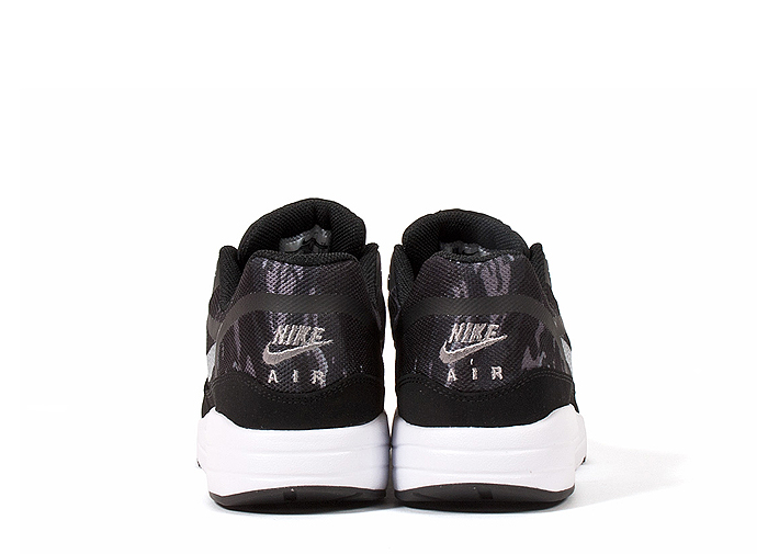 Nike-Air-Max-1-Premium-Tape-Camo-04