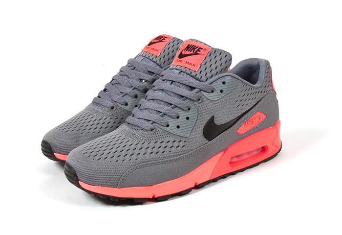 Nike-Air-Max-90-EM-Premium-Comfort-01