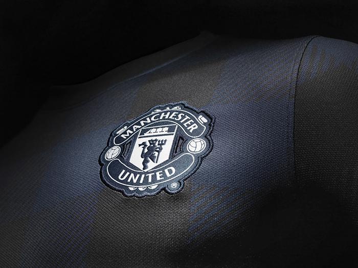 Nike Announce Manchester United Away Kit for 2013-14 season 03