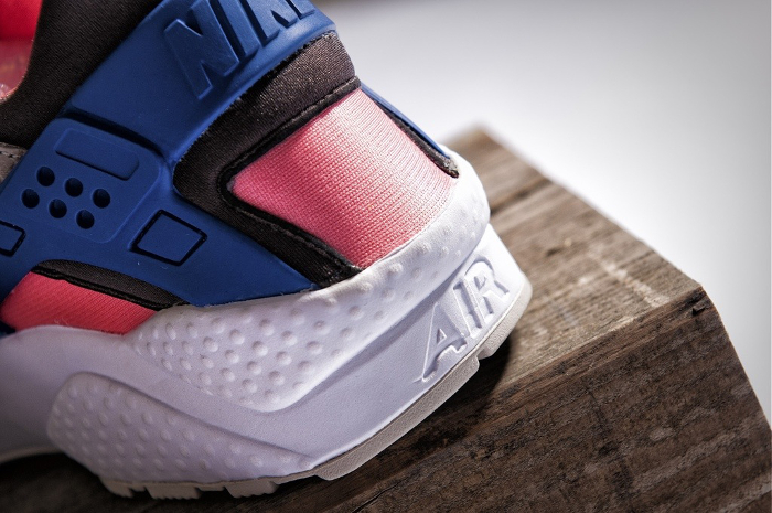 Nike-Air-Huarache-LE-size-exclusives-2013-3