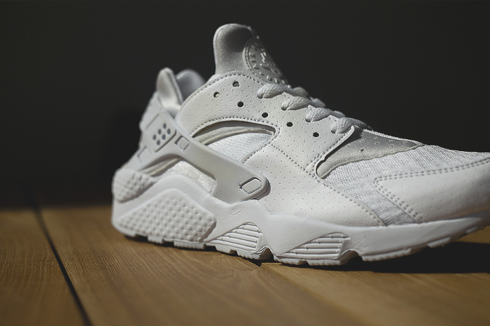 Nike-Air-Huarache-Platinum-White-6