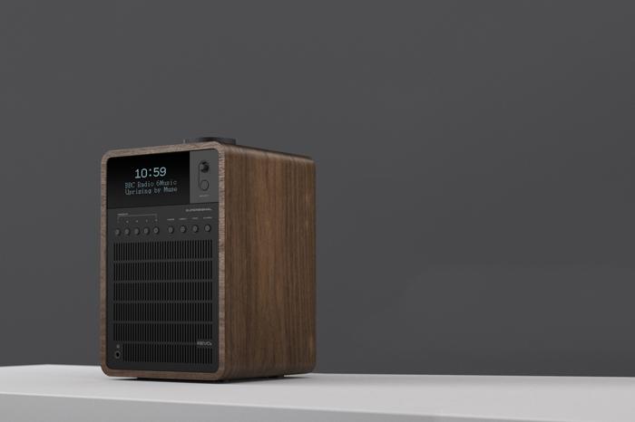 Revo SuperSignal DAB radio American Walnut Black anodised aluminium 05