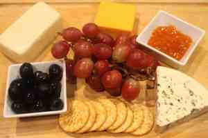 How to Make a Delicious Cheese Board for Two