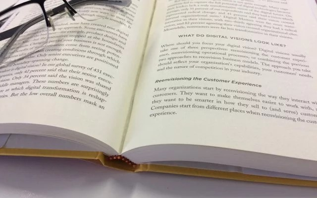 Leading Digital The Executive Summary - The Digital Transformation - executive summaries books