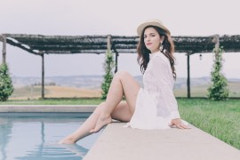 white linen dress fashion blogger the dolls factory anja tufina