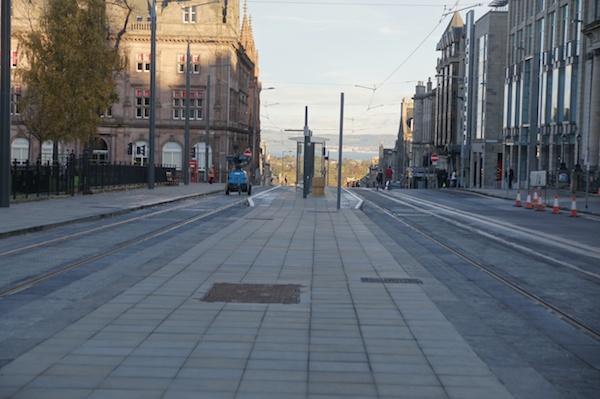 2011_11 Edinburgh Trams 98