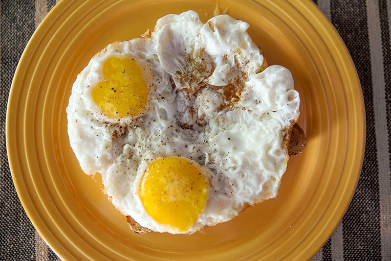 how to make crispy fried egg