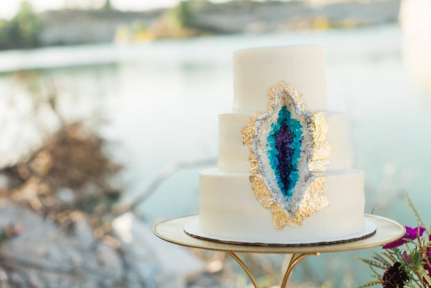 the-everyday-hostess-geode-styled-shoot-dallas-quarry-16