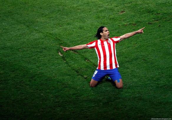 Radamel_Falcao_The_Hero_Of_Europa_League_Final_2012_Atletico_Madrid_Hd_Wallpaper_citiesandteams.blogspot.com
