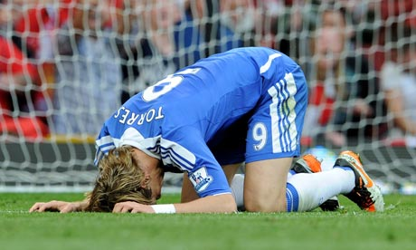 Fernando-Torres-waits-for-007