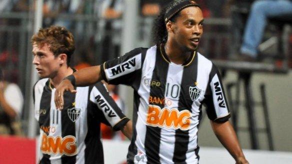 Ronaldinho-Fotoarena-20130213-size-598