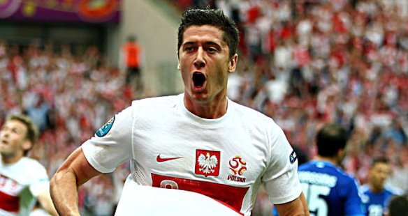 Lukasz-Piszczek-Poland-Greece-Euro-2012-Group_2777825