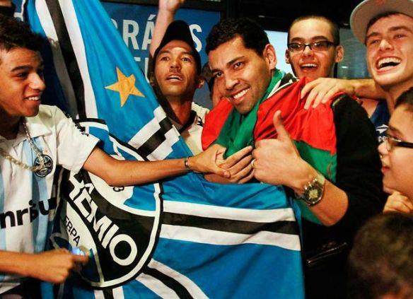 Andre-Santos-Gremio-Itamar-AguiarFuturapress_LANIMA20130210_0031_26