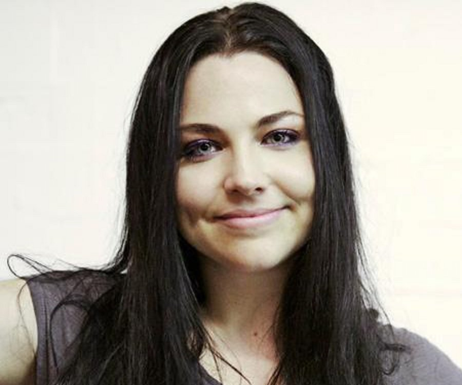 Emo Girl Wallpaper With Quotes Amy Lee Biography Childhood Life Achievements Amp Timeline