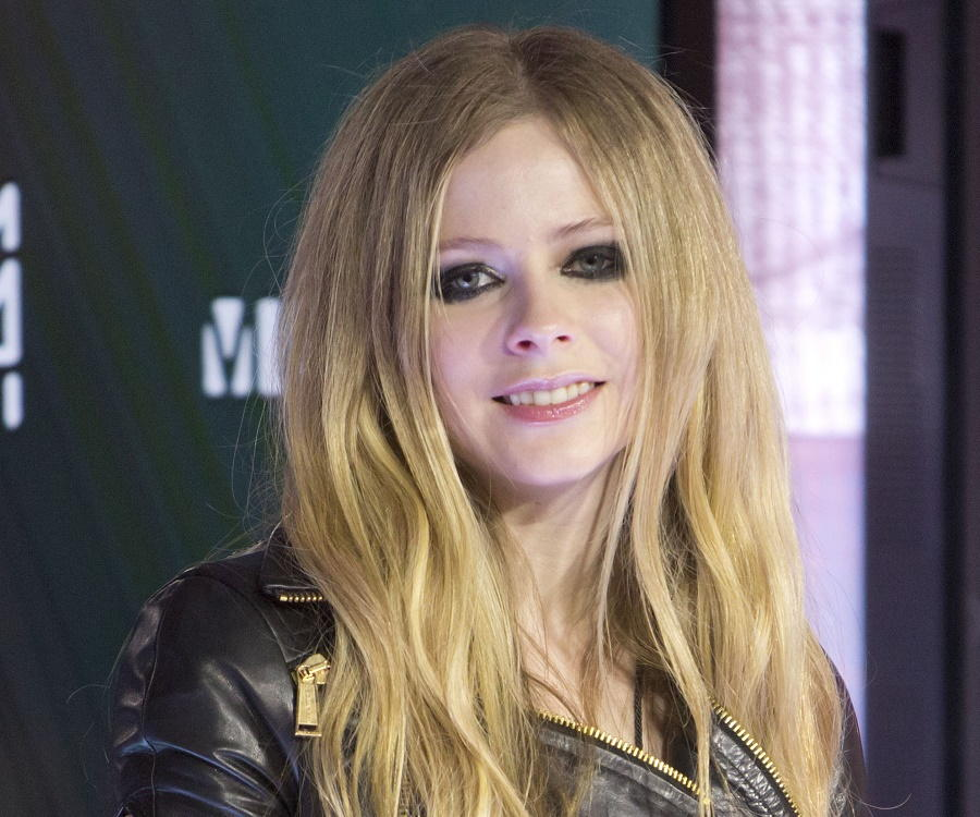 Country Girl Wallpaper Avril Lavigne Biography Childhood Life Achievements