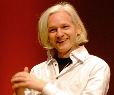 Julian Assange Biography - Childhood, Life Achievements & Timeline