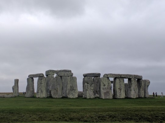 Your standard Stonehenge photo.