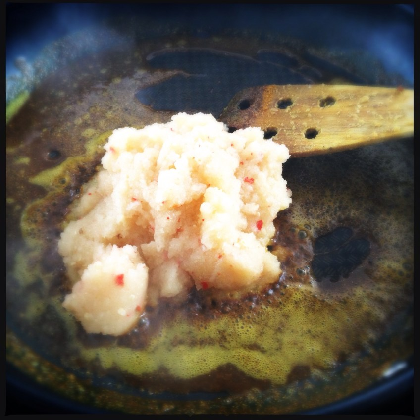 Frying spices and onion puree
