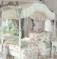 Chloe Canopy Bedding in Green - The Frog and the Princess