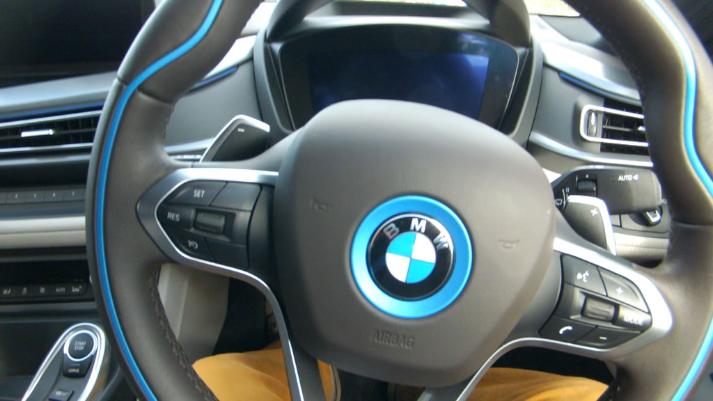 bmw i8 i just stepped into the future the gadget man. Black Bedroom Furniture Sets. Home Design Ideas