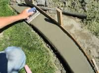 how to make concrete landscape edging