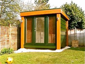 A small QC2 garden studio by www.boothsgardenstudios.co.uk