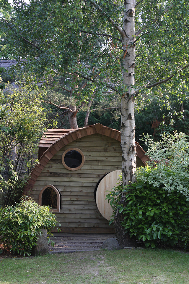 Hobbit-House-by-Dore-Garden-Offices