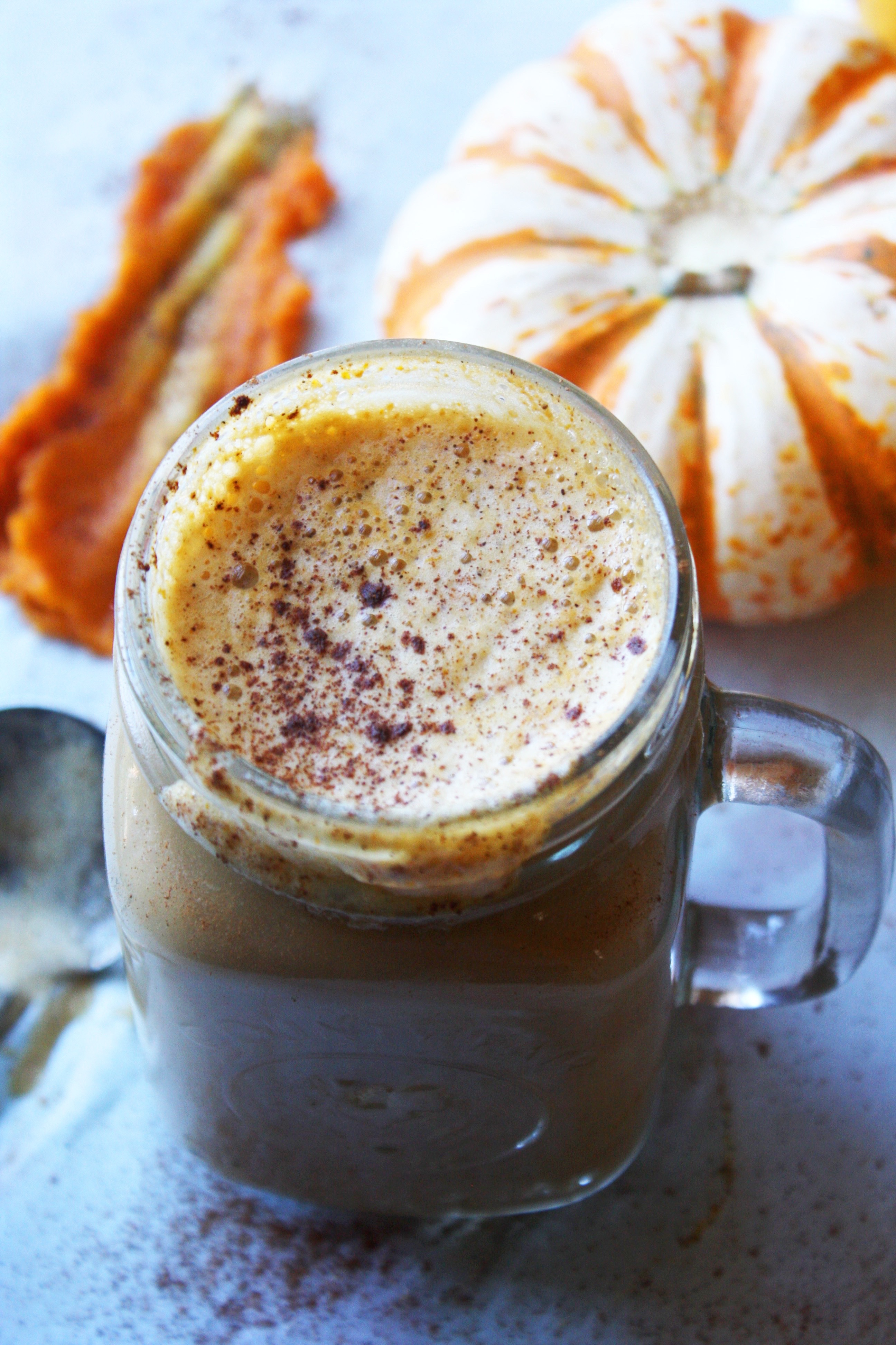 SKINNY Pumpkin Spice Latte! Super simple to make, half the calories as ...