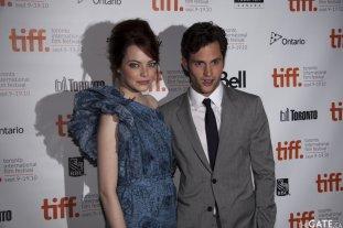 Emma Stone and Penn Badgley