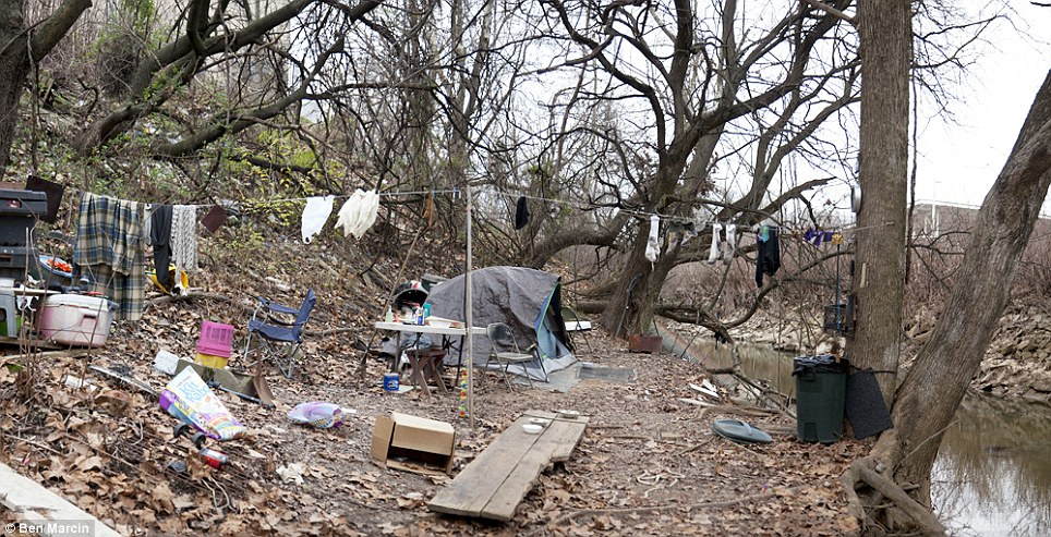 argumentative essay on homeless people Homelessness is the circumstance when people are without a permanent  dwelling, such as a house or apartment people who are homeless are most  often.