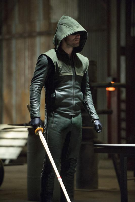 Danger 3d Wallpaper Arrow Season 2 Returns Roy Harper Super Powered More