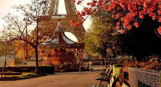 Fall Walk Wallpaper Paris For Free The Good Life France