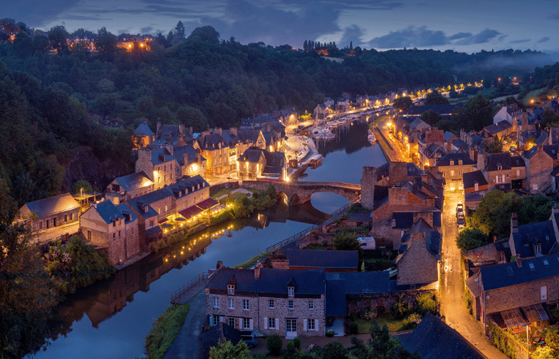 Fall Town Wallpaper The Quaint And Picture Perfect Town Of Dinan Brittany
