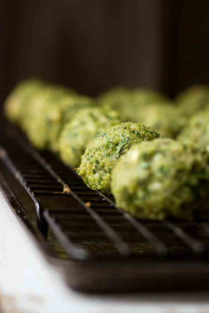 ... pesto AND tzatziki sauce and more spinach, and life will just be so