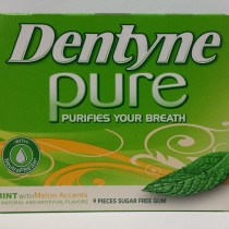 Dentyne Pure Mint with Melon Accents