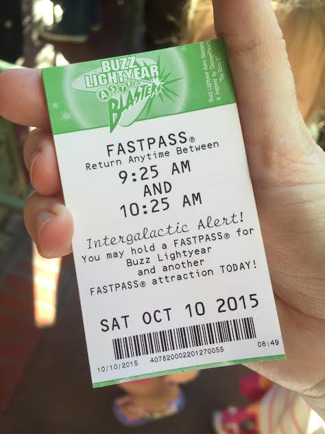 Paper FASTPASSES at Disneyland are soon to be a thing of the past. Get the latest on the new digital FP program.