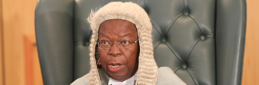 Chief-justice-Godfrey-Chidyausiku-delivers-his-speech-as-he-officially-opened-the-2015-legal-year