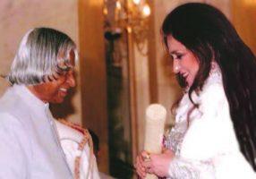 Shahnaz Husain receives Padma Shri from  President Kalam
