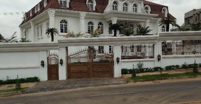 See the house a man in Abuja is selling for N1.6trillion… Unbelievable! (+Photo)