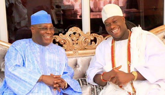 Atiku Abubakar receives Ooni of Ife, Oba Adeyeye Ogunwusi at his home