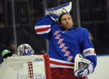 Rangers sign goalie Lundqvist to seven-year extension