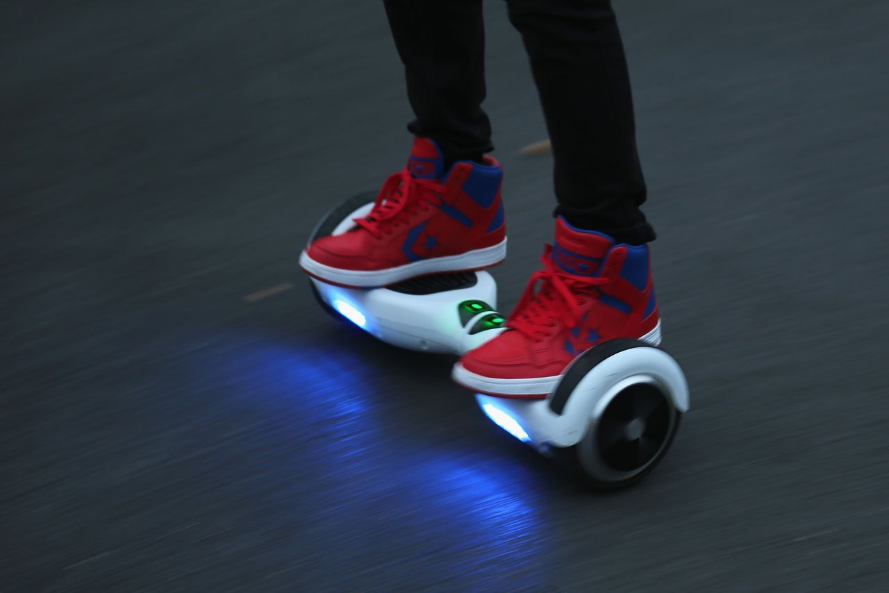Ingenious man makes his own hoverboard (PICS)