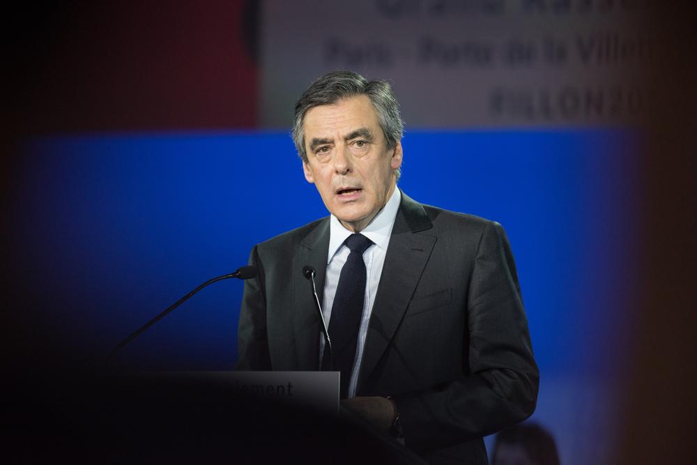 Top French centrist candidate Macron egged at Paris farm fair