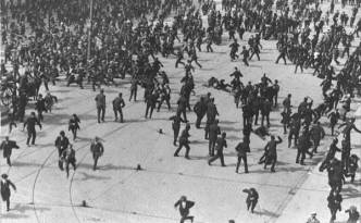 "Labour's ""Bloody Sunday"", August 31, 1913, the DMP charge on O'Connell Street."