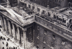 The GPO in ruins after the Rising.