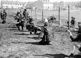 IRA members in Derry, 1972.